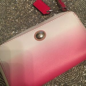 Coach ombré medium wristlet